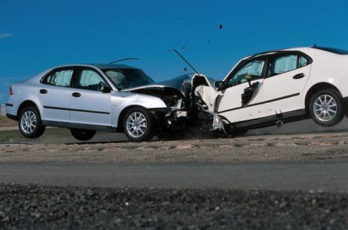 saab9 3运动型轿车碰撞实验 保护理念求实效 saab轿高清图片
